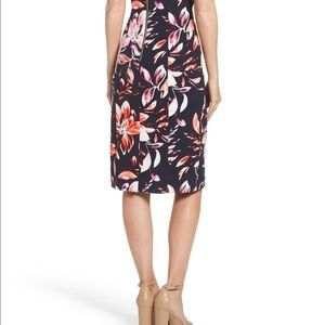Vince Camuto Dresses - Vince Camuto Scuba Sheath Dress